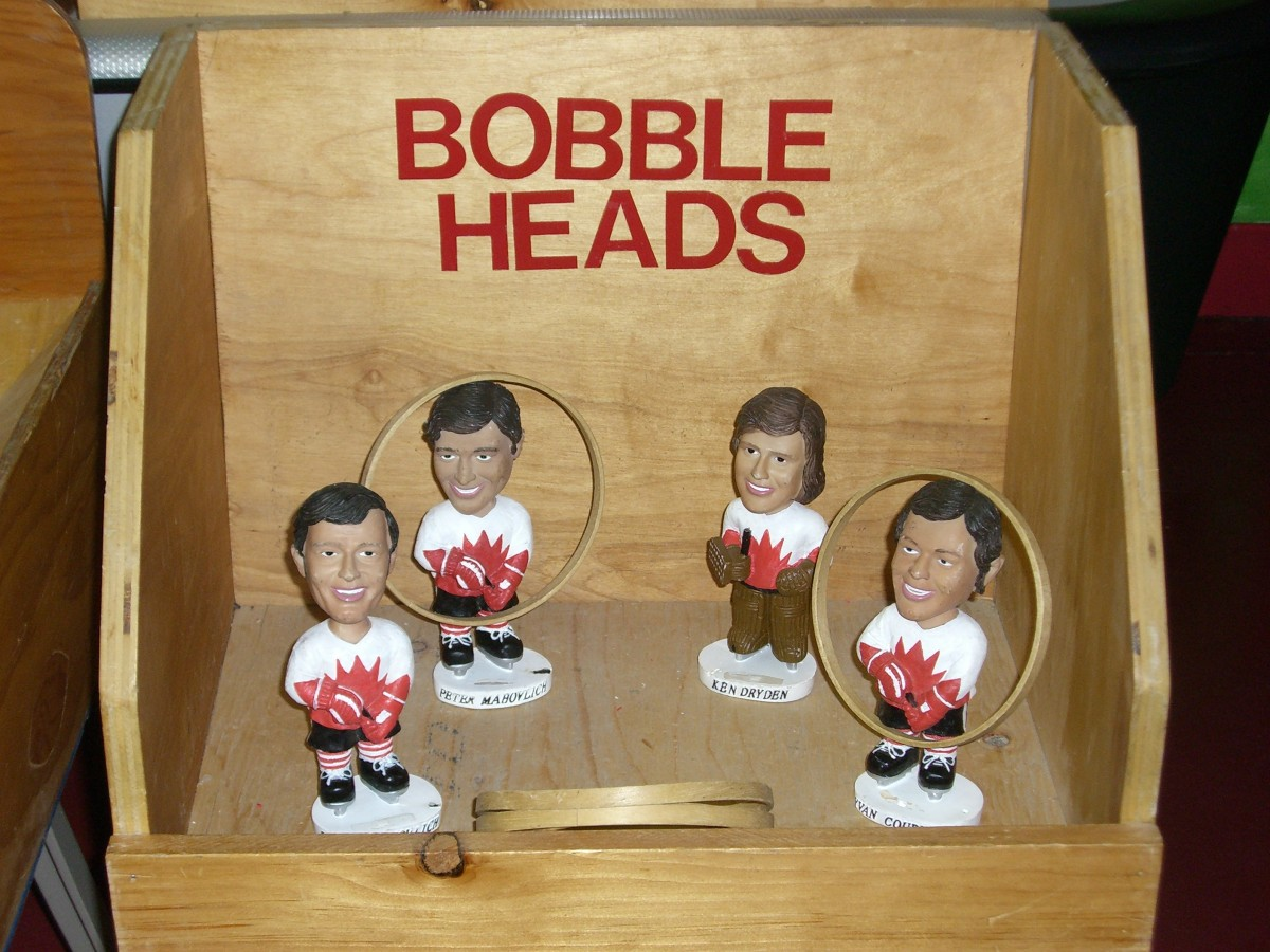 Wooden Bobble Head Toss